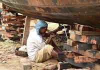 卡納普里河邊的造船人
