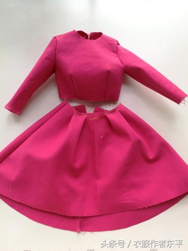 七分袖的秋裝大擺連衣裙,高腰修身版型,想要顯瘦就給自己做一條