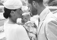 又被37歲的凱特王妃驚豔到了,全家福裡就她最少女,小細節高情商