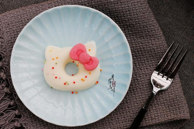 用它代替奶油拌一拌,不用烤箱也做蛋糕,好吃不膩,多吃不怕胖