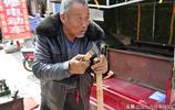 """晉南鄉村集市有個72歲的""""農具發明家"""",做的""""神器""""你見過嗎?"""
