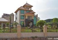 農村的房子越來越漂亮了,很洋氣