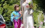 珍娜迪萬帶女兒出行,艾弗莉穿紗裙美成公主,6歲氣場比媽媽還好