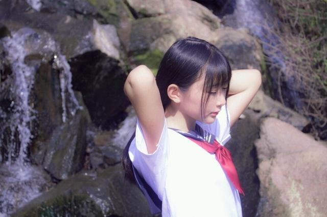 日常攝影:JK制服 赤足少女