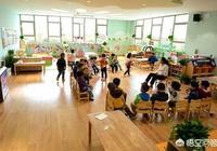 小班幼兒亂跑,怎麼組織幼兒坐在板凳上?
