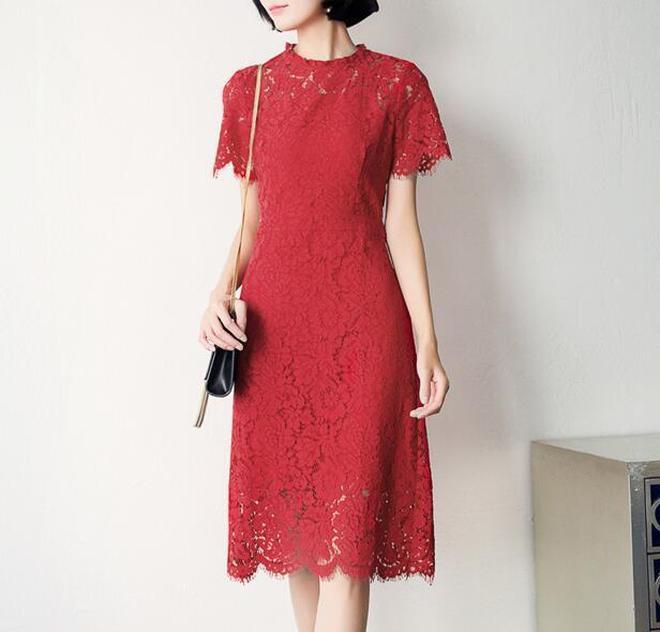 女人衣櫃裡總要有兩件上檔次,顯氣質的連衣裙,無論是聚會還是老公帶出門都要穿出最美的自己才會有面子