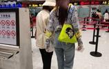 孟美岐7.7海拉爾機場生圖,時尚穿搭,重點在!大!長!腿!