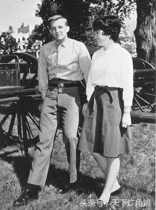 唐納德·特朗普的早年照片 女兒伊萬卡從小就引人注目