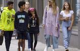 超級名模海蒂·克魯姆帶孩子上街購物,漂亮女兒成美女