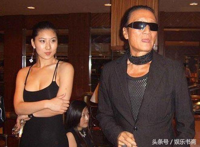 謝賢年輕時照片曝光,比謝霆鋒還帥,網友:他這一輩子沒白活!