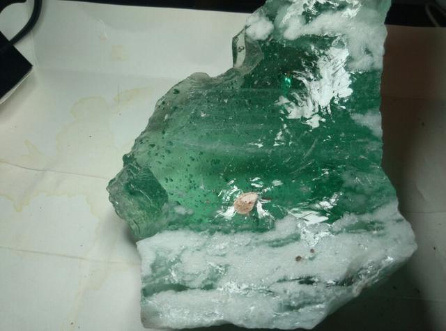 白堊紀隕石坑中央錐的衝擊石英是怎麼形成的?