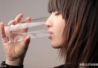總感覺喉嚨裡有痰,又咳不出來,該怎麼辦?