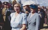 戴安娜王妃和女王的罕見合照,那個時候女王還很年輕,戴妃也很美