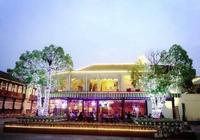 趙麗穎楊紫橫店開餐廳人滿為患,親民價格55元,餐廳名字有女人味