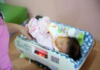 試管二代寶寶出生,擊碎試管嬰兒三大謠言,每位女性都有權利當媽