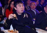王思聰炮轟趙本山,說其是耍彪的農民,本山大叔的迴應令網友大讚