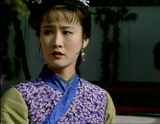 紅樓夢:麝月犯的這個小錯為何藏著李紈和王熙鳳不能明說的心事?