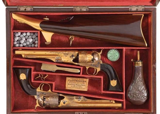 一對燧發槍至今仍可以發射 德國FG-42傘兵步槍也拍出天價