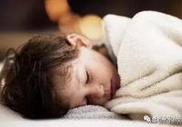寶寶缺鈣的9種表現,出現3個要注意了