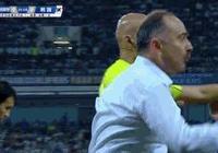 烏茲別克斯坦主教練情緒激動