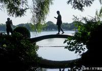 西湖四季的景色有什麼不同?