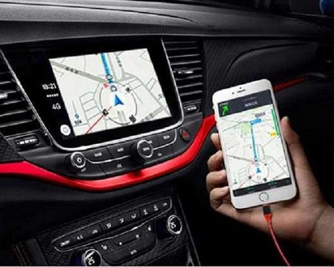 開車用手機導航,真蠢,簡單一根線,手機導航同步到汽車中控屏上