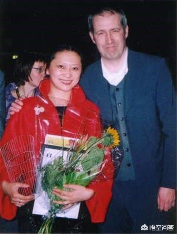 倪大紅和倪萍是什麼關係,為什麼網上有人說倪大紅是倪萍的弟弟?他們真是姐弟嗎?