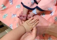 4月8日,江宏傑微博報喜,福原愛在3日產下一名男嬰--小小杰