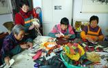 山西浮山農村大媽 用玉米皮做出漂亮的工藝品 南方人看了很喜歡