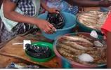 中國遊客去非洲窮國,結果只能吃海鮮把自己吃胖了!