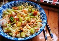 花菜新吃法,加一塊腐乳,一炒一拌15分鐘上桌,風味獨特還解膩