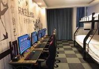 高校附近現電競酒店:配高配電腦+高低床,客源多為男性