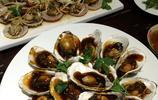 青島人是這樣吃海鮮 配上新鮮青島扎啤 怎一個美字了得!