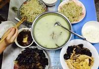 重慶某大學賢惠妹紙和室友過端午節 煮魚火鍋還自己殺魚