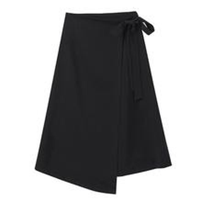 秋季天涼怕冷也要穿裙子!這5款時髦半身裙讓你秋冬美得更出彩