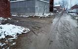 實拍雪後的河南省一農村,村村通公路,戶戶通水泥路去哪裡了呢?