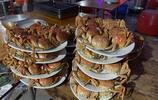 這就是湛江大吃大喝大場面,大盤的沙蟲,大蟹,石斑,大蝦、燒豬