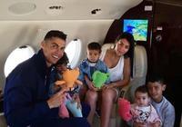 C羅一家乘私人飛機希臘度假,喬治娜晒迷你羅9歲生日照片秀母愛