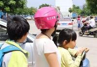 """元江交警:""""愛心頭盔""""傳遞文明交通"""