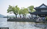 五一小長假 杭州西湖迎來眾多遊客