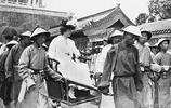 老照片:1905年到1972年的紫禁城,圖3八國聯軍在紫禁城練兵