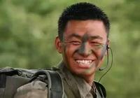 《士兵突擊》13年了,三人成導演,六人成影帝,而他已去世兩年