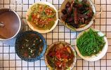 一家六口的晚餐,四菜一湯,道道都是下飯菜,爸媽誇甜品最得分