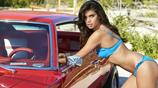 時尚名模薩拉·桑帕約氣質驚豔出眾,性感中帶著青春的氣息!
