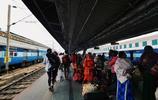 實拍印度的火車,沒有髒亂差,也沒有掛車,和想象中的完全不一樣