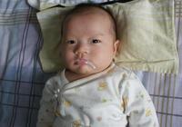 餵奶後拍了嗝,為什麼寶寶還是吐奶?可能和這3個情況有關