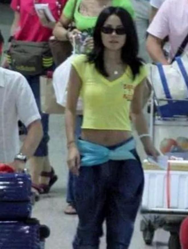 王菲居然穿成這樣出現在機場,網友:難怪謝霆鋒會這麼喜歡