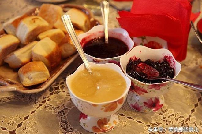 實拍:俄羅斯人的日常飯菜,黃油土豆吃到撐!