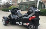 實拍,鄰居買了一輛摩托車,竟說比我的豐田還貴20萬,這是啥車