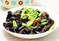 美食推薦:清炒木耳芹菜,美味的肉釀香菇,三色炒蝦仁的做法